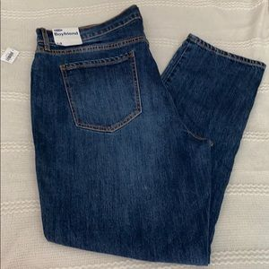 Medium wash boyfriend jean
